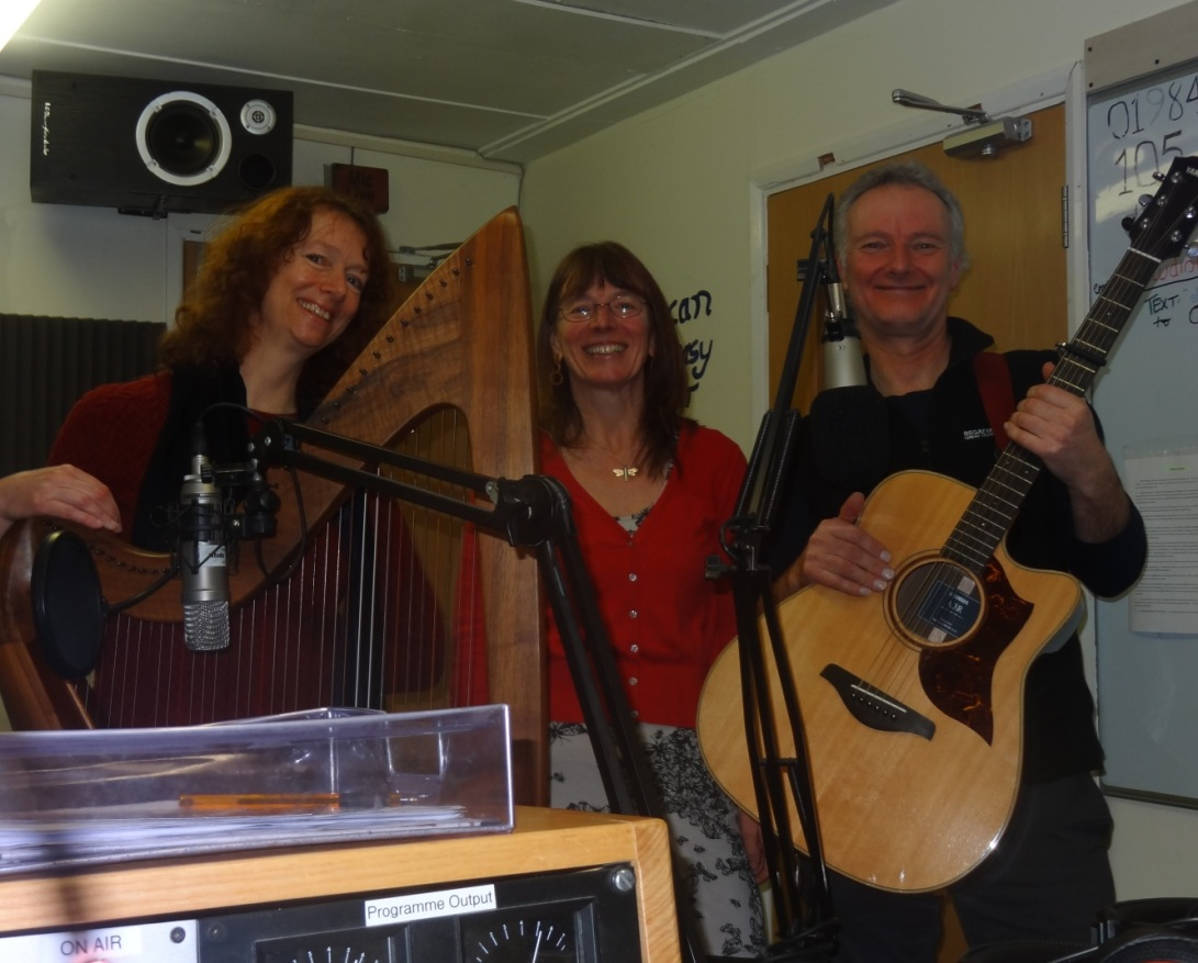 foxwillow-trio-live-on-10-radio-1-2-2017