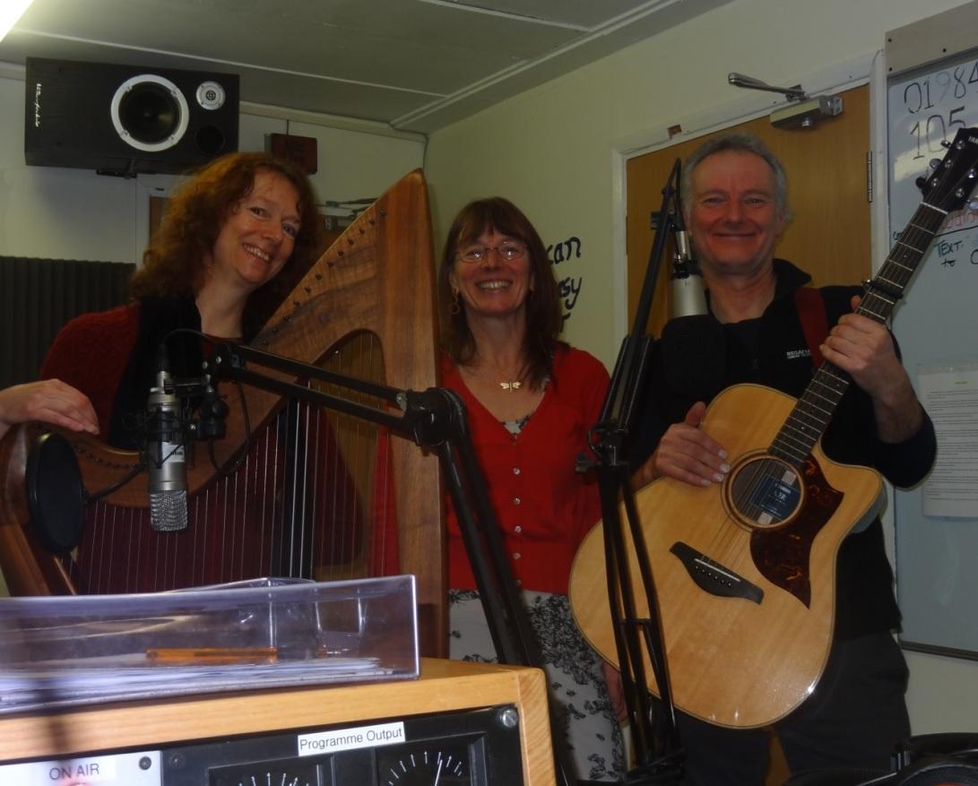foxwillow-trio-live-on-10-radio-1-2-2017